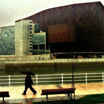 BILBAO.- El palacio Euskalduna de Congresos y de la M¿sica sera inaugurado el proximo dia 19 en Bilbao ocupando los terrenos que dejo libre el astillero del mismo nombre.EFE/TXEMA FERNANDEZ TXEMA FERNANDEZ